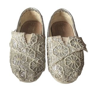 Toms Silver Sparkly Lace Velcro Slip On Shoes